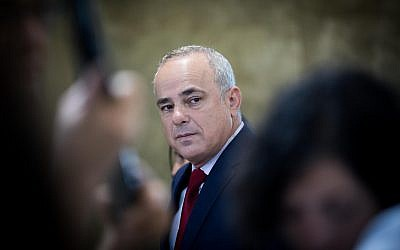 Energy Minister Yuval Steinitz arrives at the weekly cabinet meeting at the Prime Minister's Office in Jerusalem, on June 18, 2017. (Yonatan Sindel/Flash90)
