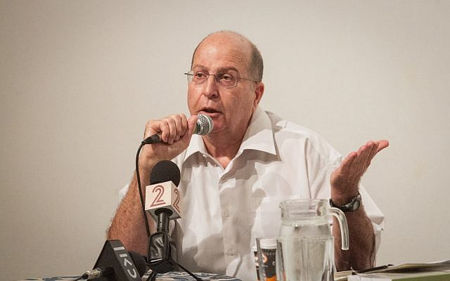 Former defense minister Moshe Ya'alon speaks at a cultural event in Ra'anana on July 15, 2017. (Flash90)