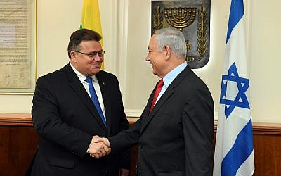PM Benjamin Netanyahu meets with Lithuanian Foreign Minister Linas Linkevicius in Jerusalem, September 4, 2017. (Haim Zach/GPO)