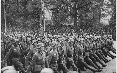 German troops parade through Warsaw, Poland, September 1939. (Public domain,  US National Archives and Records Administration, Wikimedia commons)