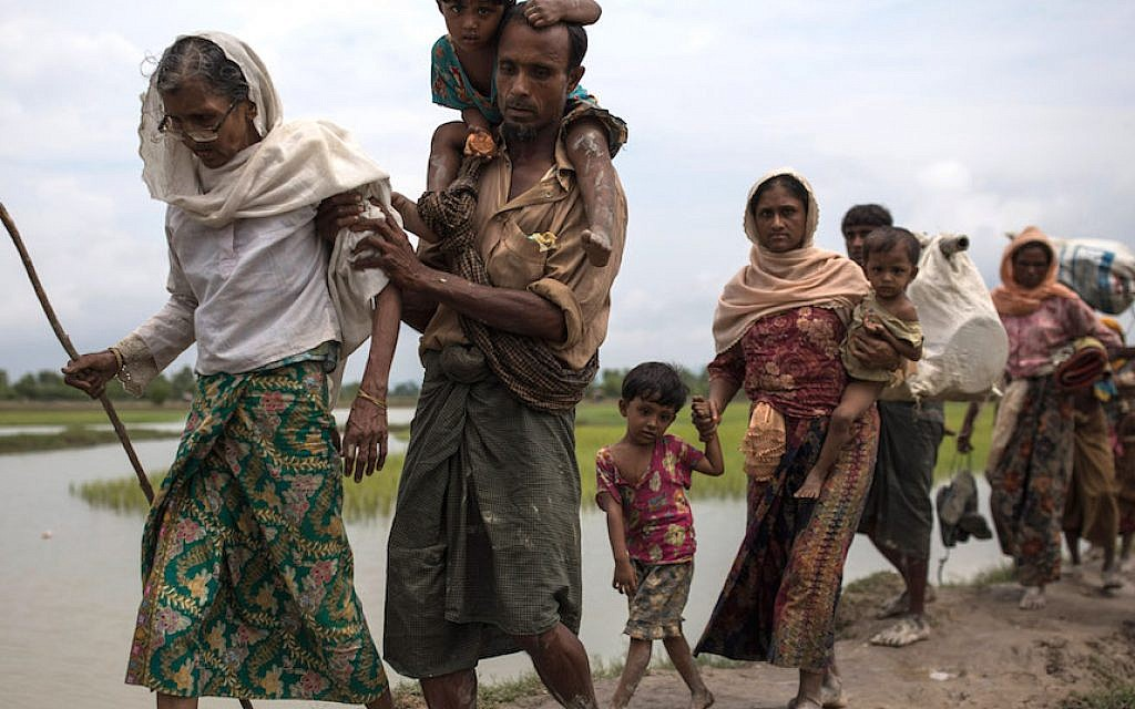 Rohingya Muslim refugees making their way into Bangladesh from Myanmar on September 7, 2017. (Dan Kitwood/Getty Images)