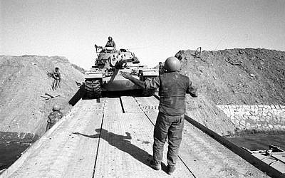 An Israeli tank crosses the Suez Canal (Israel Defense Forces Archive)