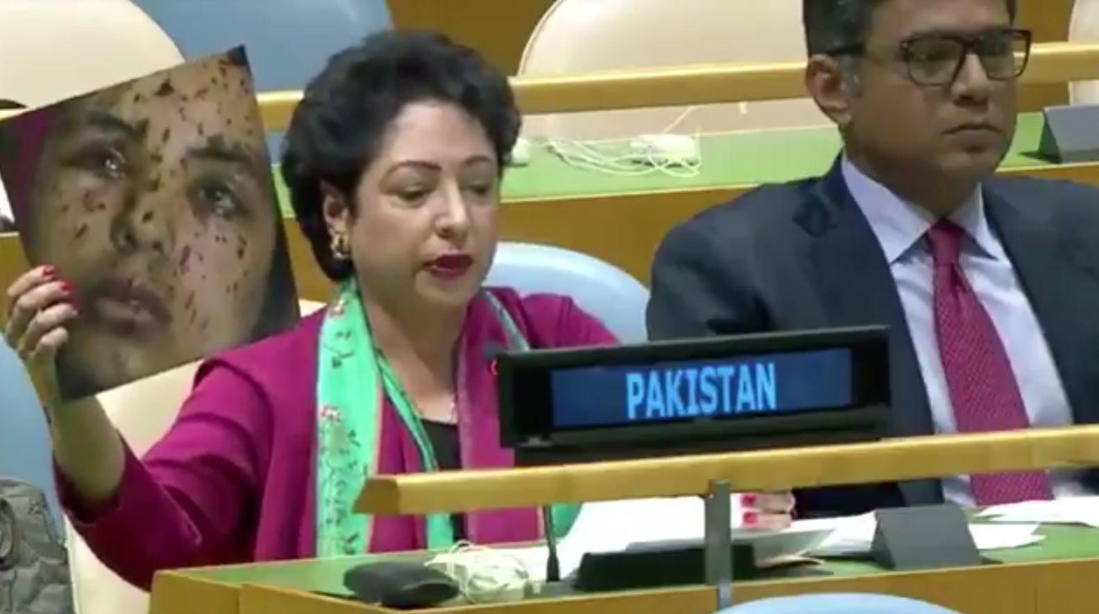 pakistan uses image of gaza girl to attack india at the un the