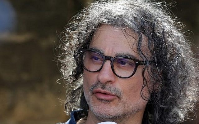 French-Lebanese director Ziad Doueiri,  criticized for filming part of a production in Israel, speaks to the press outside the Military Tribunal in Beirut on September 11, 2017, after he was detained at Beirut airport on his way back from the Venice Film Festival. (AFP PHOTO / ANWAR AMRO)