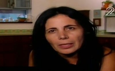 Tali Mizrachi, the teacher from southern Israel who resigned after parents threatened to keep their children from school because of her activities for refugees, the peace movement. (Channel 2 screenshot, September 7, 2017)