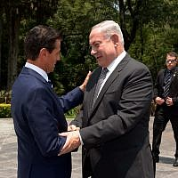 Prime Minister Benjamin Netanyahu and Mexican President Enrique Pena Nieto meet in Mexico City, September 14, 2017 (Avi Ohayun/GPO)