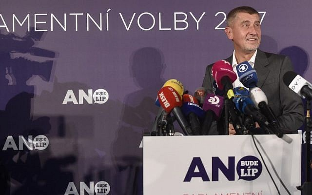 Czech billionaire Andrej Babis, chairman of the ANO movement arrives to deliver his speech at ANO headquarter after Czech elections on October 21, 2017 in Prague. AFP PHOTO / MICHAL CIZEK)