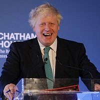 British Foreign Secretary Boris Johnson gives a speech during a Chatham House conference in central London, October 23, 2017. (AFP/Daniel LEAL-OLIVAS)