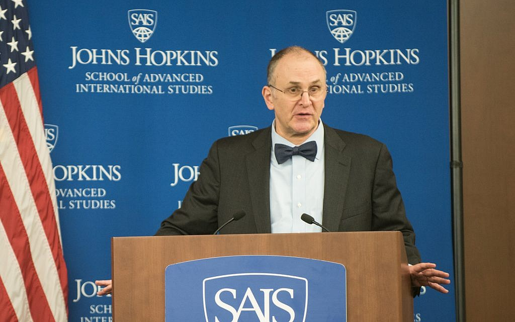 Eliot Cohen, director of the Strategic Studies program, introduces US Marine Corps Gen. Joseph F. Dunford, Jr., chairman of the Joint Chiefs of Staff, before remarks at the Johns Hopkins University School of Advanced International Studies, Washington, D.C., Oct. 27, 2016. (DoD Photo by US Army Sgt. James K. McCann)