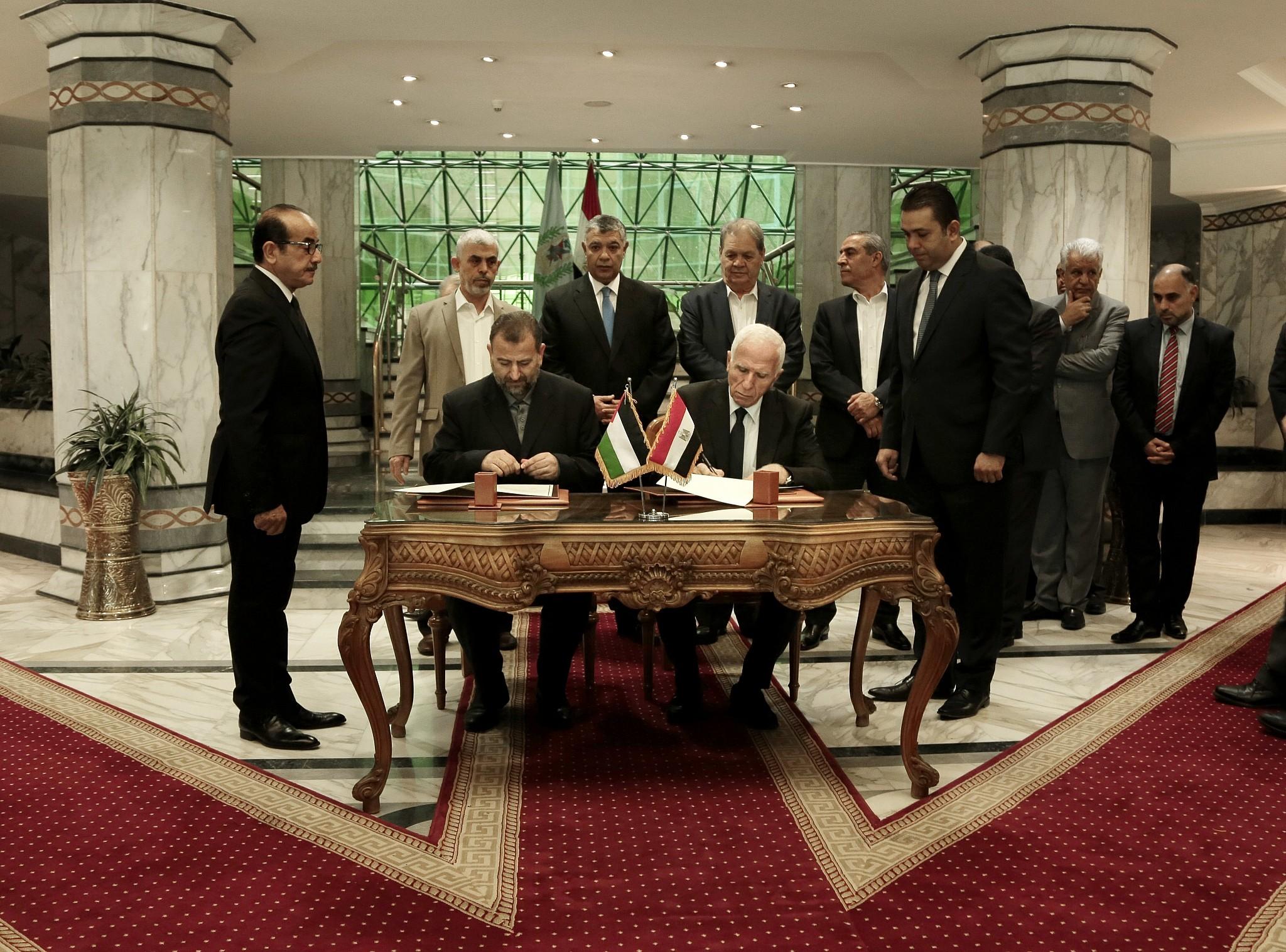 Fatah-Hamas unity: Rub your eyes in disbelief