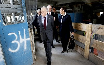 Conde Nast chairman, Si Newhouse Jr., leaves a news conference on the 34th floor of 1 World Trade Center, May 25, 2011, in New York. (AP Photo/Mary Altaffer)