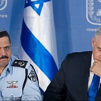 Chief of Police Roni Alsheich seen with Prime Minister Benjamin Netanyahu at a welcoming ceremony held in Alsheich's honour, at the Prime Minister's Office in Jerusalem, on December 3, 2015. (Miriam Alster/Flash90)