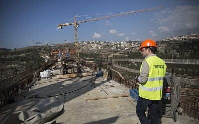 Construction of a bridge going over Emek HaArazim outside Jerusalem, for the Jerusalem-Tel Aviv fast train, seen on December 20, 2015. (Hadas Parush/Flash90)