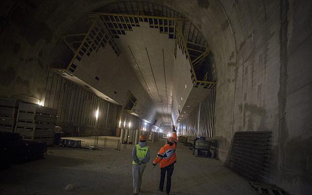 Construction at the Jerusalem station of the Jerusalem-Tel Aviv fast train, December, 2015. (Hadas Parush/Flash90)