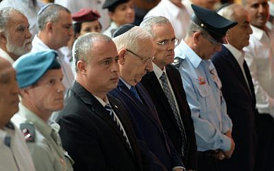 President Reuven Rivlin attends the state ceremony marking 44 years since the Yom Kippur War, held at the military cemetery at Jerusalem's Mount Herzl, on October 1, 2017. (Mark Neyman/GPO)