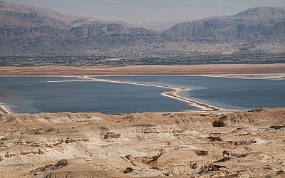 A view of the Dead Sea in southern Israel, on October 18, 2017. (Yaniv Nadav/Flash90)