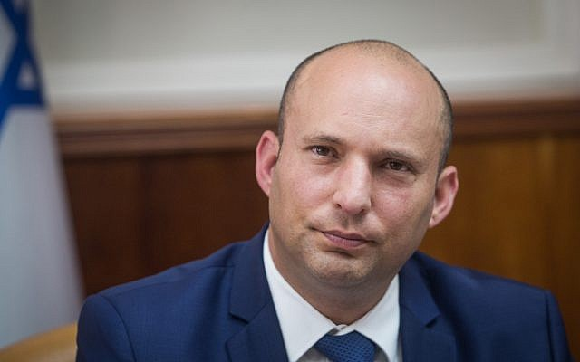 Education Minister Naftali Bennett attends the weekly cabinet meeting at the Prime Minister's Office in Jerusalem, October 22, 2017. (Alex Kolomoisky)