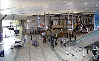 Illustrative image of Interior view of Göteborg-Landvetter airport on October 15, 2011. (CC BY-SA Andrzej Otrębski, Wikimedia commons)