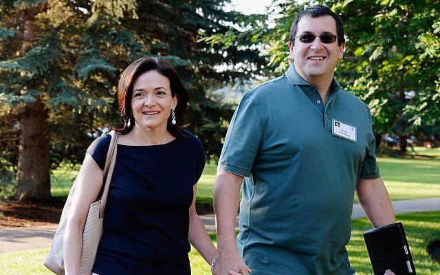 Dave Goldberg, right, with wife Sheryl Sandberg in Sun Valley, Idaho, July 10, 2013. (Kevork Djansezian/Getty Images via JTA)
