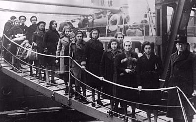 Jewish children boarding ship as part of a kindertransport out of Nazi occupied Europe. (Courtesy of Pamela Sturhoofd)