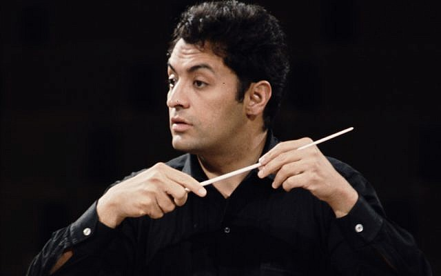 Zubin Mehta performing during a tour of Europe with the Israel Philharmonic Orchestra, 1968. (Photo by Erich Auerbach/Hulton Archive/Getty Images)
