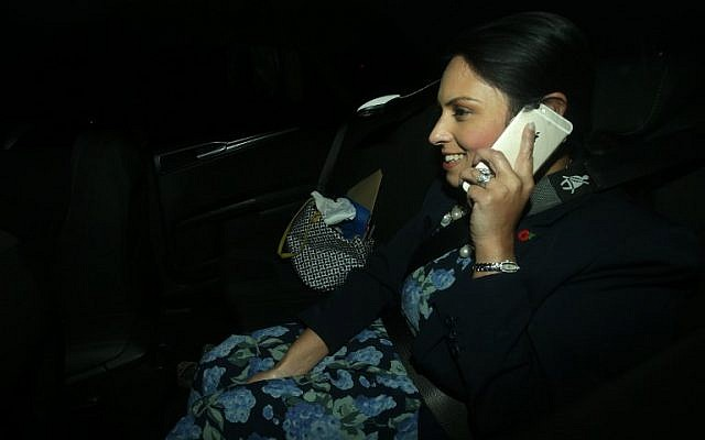 Britain's International Development Secretary Priti Patel arrives at 10 Downing Street in London on November 8, 2017, (AFP/Daniel LEAL-OLIVAS)