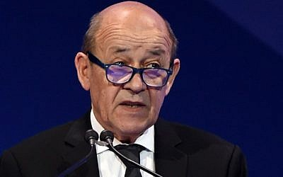 "French Foreign Minister Jean-Yves Le Drian, addresses the ""MiSK Global Forum"" in the Saudi capital Riyadh on November 16, 2017. (AFP PHOTO / FAYEZ NURELDINE)"