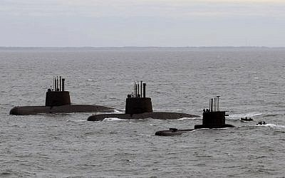 File picture released by Telam showing submarines ARA San Juan, ARA Salta and ARA Santa Cruz upon arrival to Mar del Plata's Navy Base on June 13, 2014. (AFP PHOTO / TELAM / ARGENTINA'S DEFENSE MINISTRY)