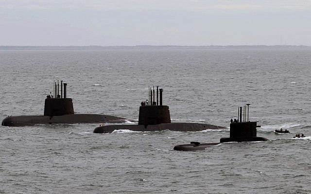 Submarines ARA San Juan, ARA Salta and ARA Santa Cruz, upon arrival to Mar del Plata's Navy Base on June 13, 2014. (AFP PHOTO / TELAM / ARGENTINA'S DEFENSE MINISTRY)
