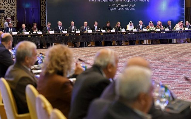 A picture taken on November 22, 2017 shows members of Syrian opposition groups  attending the Syrian opposition meeting in the Saudi capital Riyadh. (AFP FAYEZ NURELDINE)