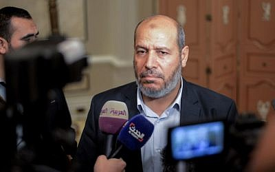Hamas senior political leader Khalil al-Hayya during a press conference at the end of two days of closed-door talks attended by representatives of 13 leading political parties held in the Egyptian capital Cairo on November 22, 2017 (AFP PHOTO / MOHAMED EL-SHAHED)