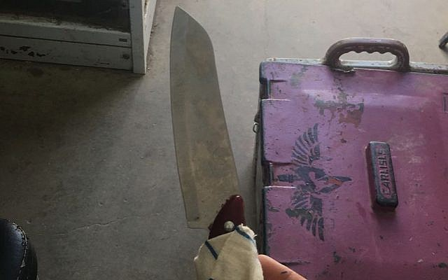 A knife that was being carried by a Palestinian man who arrested by IDF soldiers while approaching the West Bank settlement of Mevo Dotan. (IDF Spokesperson)