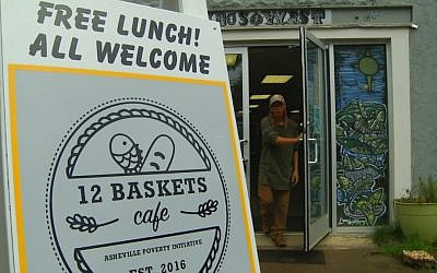 Free lunch at 12 Baskets Cafe, West Asheville, North Carolina. (Lior Vaknin)