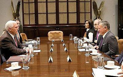 King Abdullah II of Jordan meets with US Vice President Mike Pence in Washington, DC, on November 27, 2017 (Jordanian Royal Court)