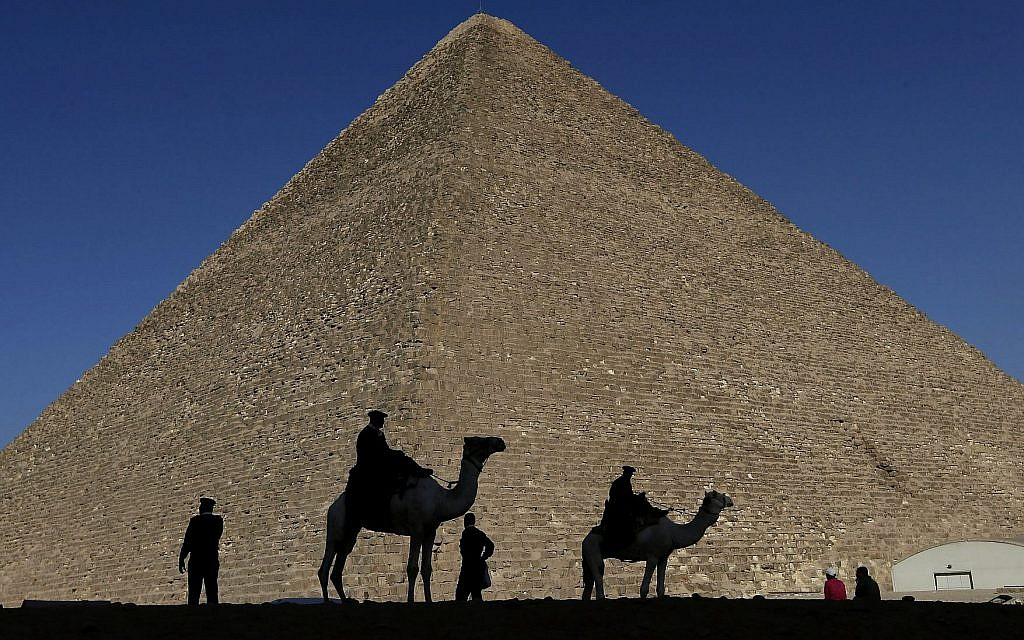 Staircases and postholes: New finds offer insight on how Egypt build pyramids