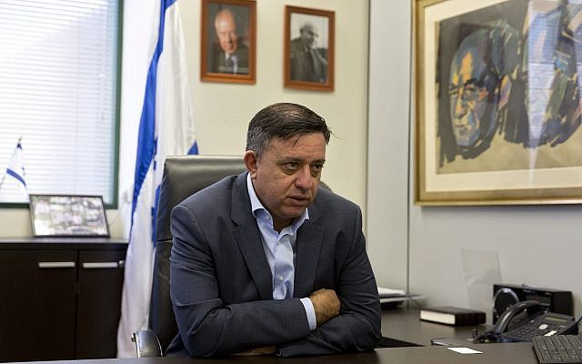 Labor Party leader Avi Gabbay speaks with The Associated Press during an interview at the Labor Party headquarters in Tel Aviv, on November 14, 2017. (Sebastian Scheiner/AP)