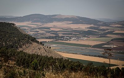 View of the Jezreel Valley from Mount Gilboa in northern Israel, May 21, 2016. (Hadas Parush/Flash90)