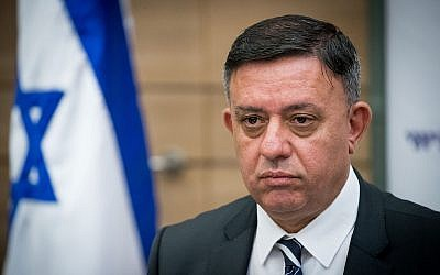 Labor party leader Avi Gabbay heads a faction meeting at the Knesset on October 30, 2017. (Yonatan Sindel/Flash90)