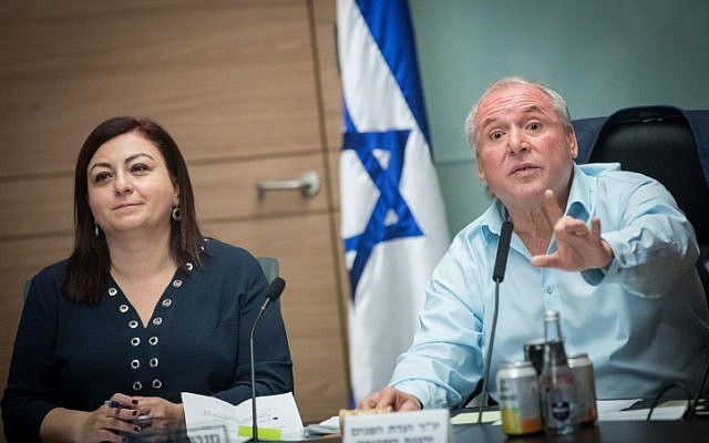 Likud MK David Amsalem (right), chairman of the Interior Affairs Committee, leads a meeting  in the Knesset in Jerusalem, on November 8, 2017. (Yonatan Sindel/Flash90)