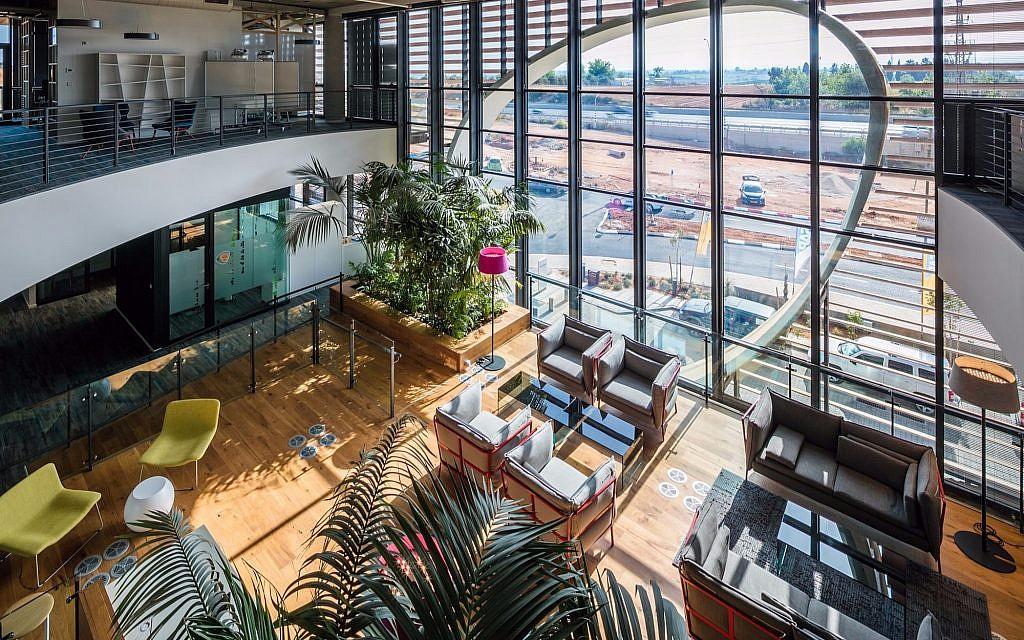 Interior of the SAP building in Ra'anana, designed by Yashar Architects Ltd. (Courtesy Uzi Porat)