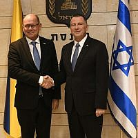 Swedish Parliament speaker Urban Ahlin, left, with Knesset speaker Yuli Edelstein, at the Knesset in Jerusalem, November 15, 2017 (Jorge Novominsky)
