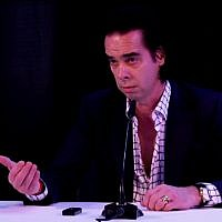 Aussie rocker Nick Cave addresses Israeli journalists during a press conference in Tel Aviv on Sunday, November 11, 2017 (screenshot: Israel Hayom)