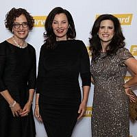 Fran Drescher is flanked by Jane Eisner, left, and Rachel Fishman Feddersen, the Forward's editor in chief and publisher, respectively, at the newspaper's 120th anniversary gala at the Museum of Jewish Heritage in New York, Nov. 13, 2017. (Jerry Lacay)