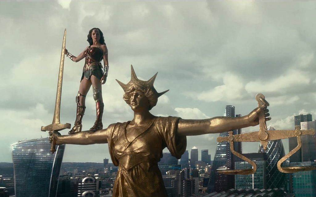 Wonder Woman (Gal Gadot) in the trailer for 'Justice League' released on October 8, 2017. (Screen capture:YouTube)