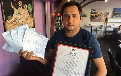 Hanoch Steimeker, owner of the Hodu Hakatan restaurant in Beersheba. (Courtesy Hashgacha Pratit)