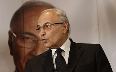 Former Egyptian prime minister Ahmed Shafiq addressing a press conference in Cairo,  June 3, 2012. (MOHAMMED ABED/AFP)
