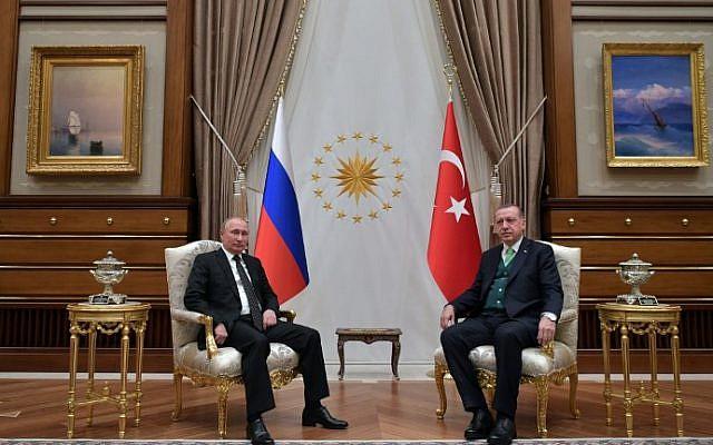 Russian President Vladimir Putin (L) and Turkish President Recep Tayyip Erdogan attend a meeting in Ankara on December 11, 2017. (AFP PHOTO / Sputnik / Alexei Druzhinin)