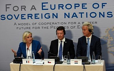 Marine Le Pen, left, Tomio Okamura, center, and Geert Wilders give a press conference during a conference of the right-wing Europe of Nations and Freedom (ENF) group in the European parliament on December 16, 2017 outside Prague. (AFP/Michal CIZEK)