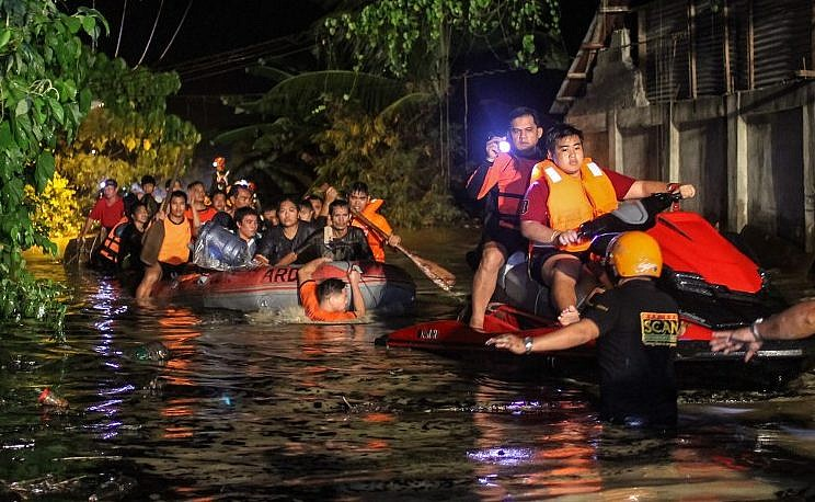 Almost 90 dead in Philippines storms
