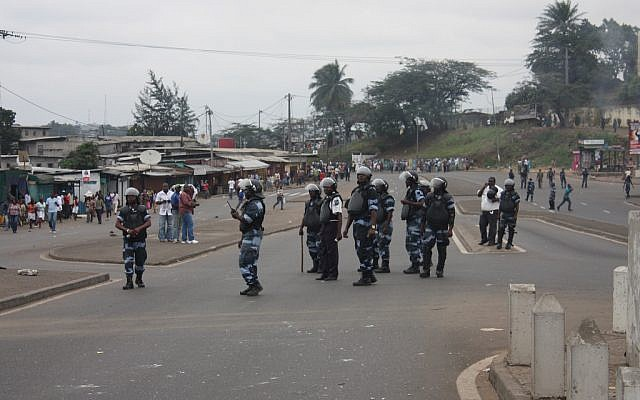 Police in Libreville, Gabon, in 2009. (illustrative photo: CC BY-SA, Bruno Ben MOUBAMBA, Flickr)